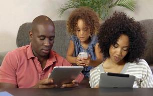 مضرات استفاده تبلت و گوشی موبایل در کودکان